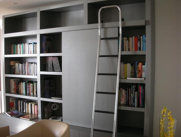 Bibliothèque-salon-grise-1